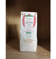 Farina di quinoa macinata a pietra