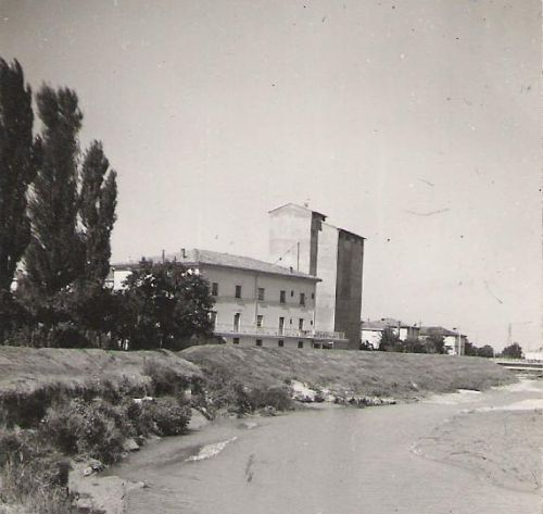 Una foto d'epoca del Molino Bassini